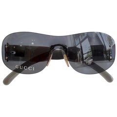Gucci 1990s Black Rimless Shield Sunglasses