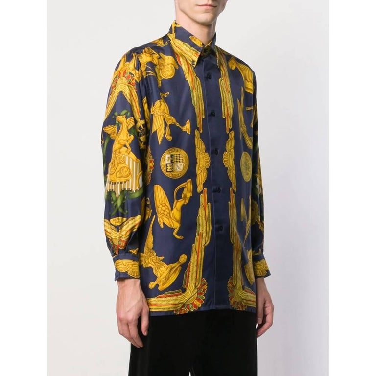 1990s Hermès Blue And Gold Silk Shirt In Excellent Condition For Sale In Lugo (RA), IT