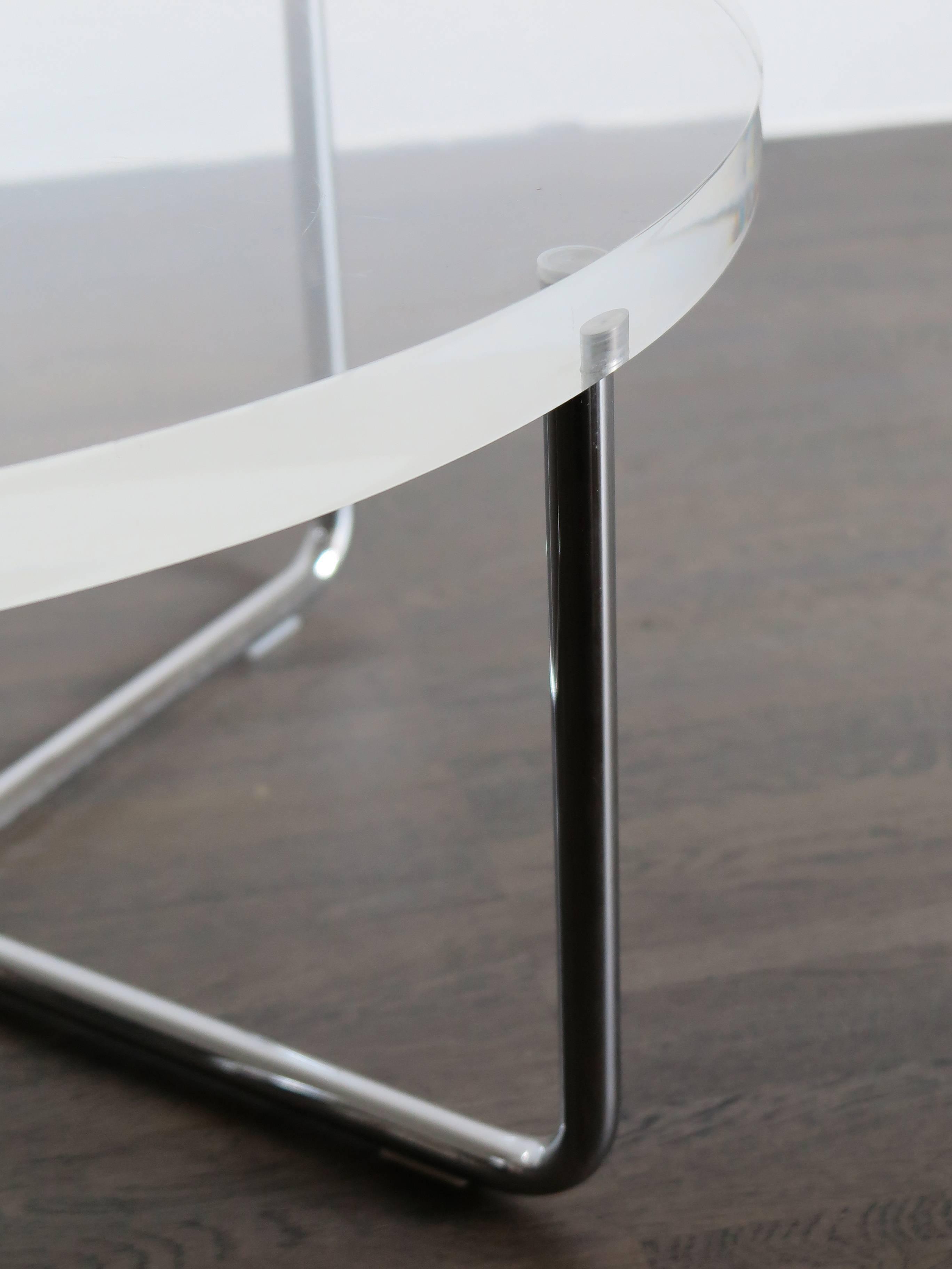1990s Italian Circular Plexiglass Modern Coffee Table Produced By Minotti  For Sale At 1stdibs