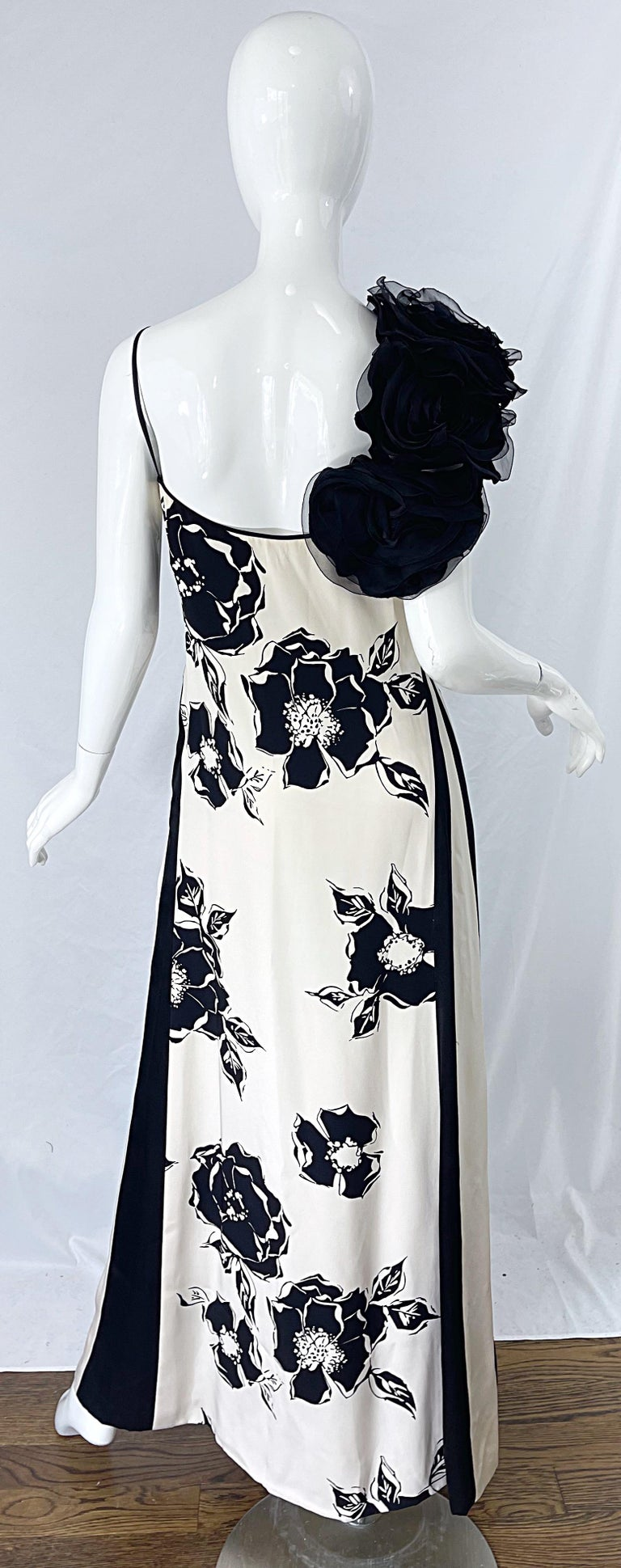 1990s James Galanos Black and White Rosette Sleeve Vintage 90s Silk Gown Dress For Sale 5