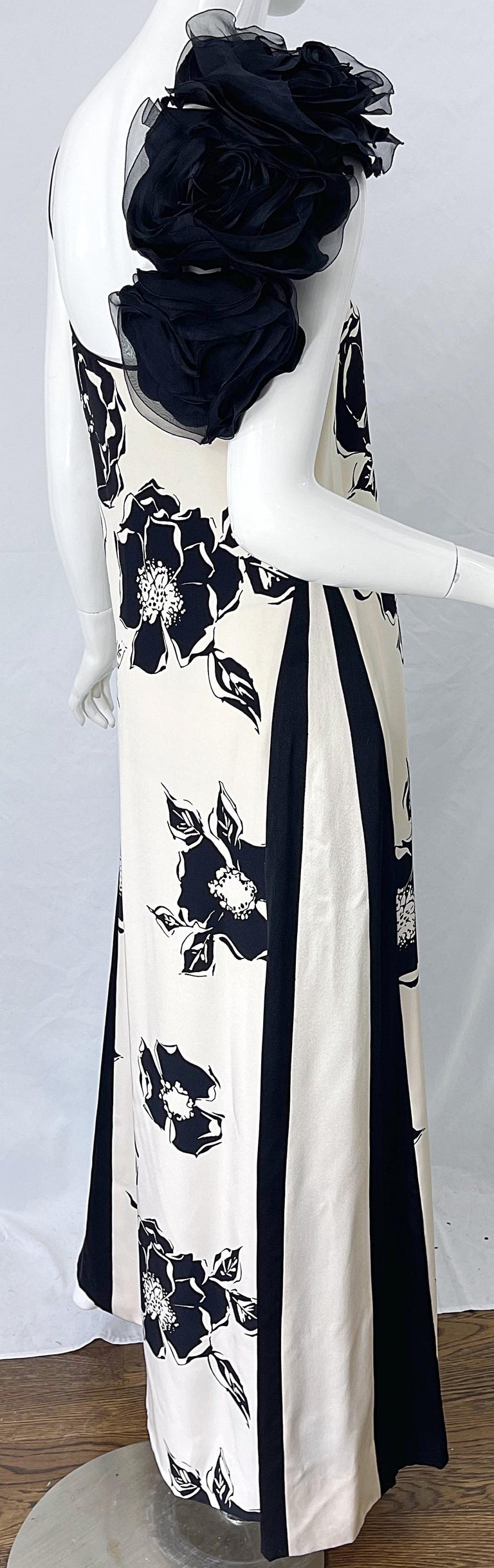 1990s James Galanos Black and White Rosette Sleeve Vintage 90s Silk Gown Dress For Sale 7