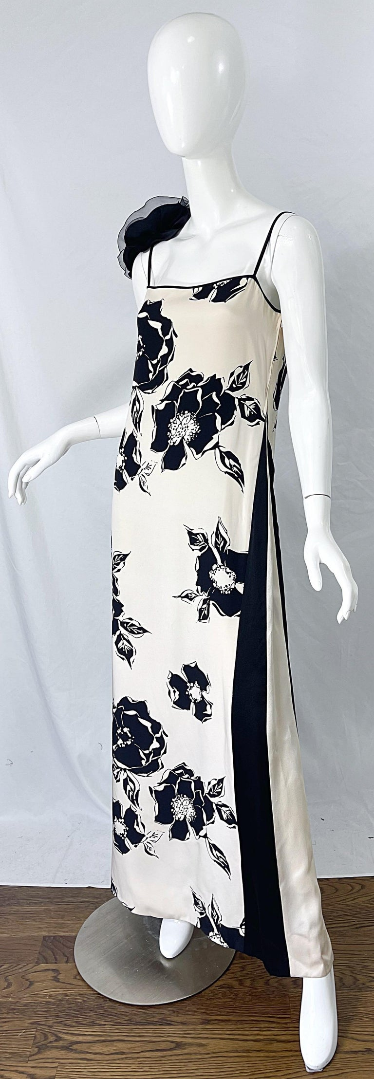 1990s James Galanos Black and White Rosette Sleeve Vintage 90s Silk Gown Dress For Sale 8
