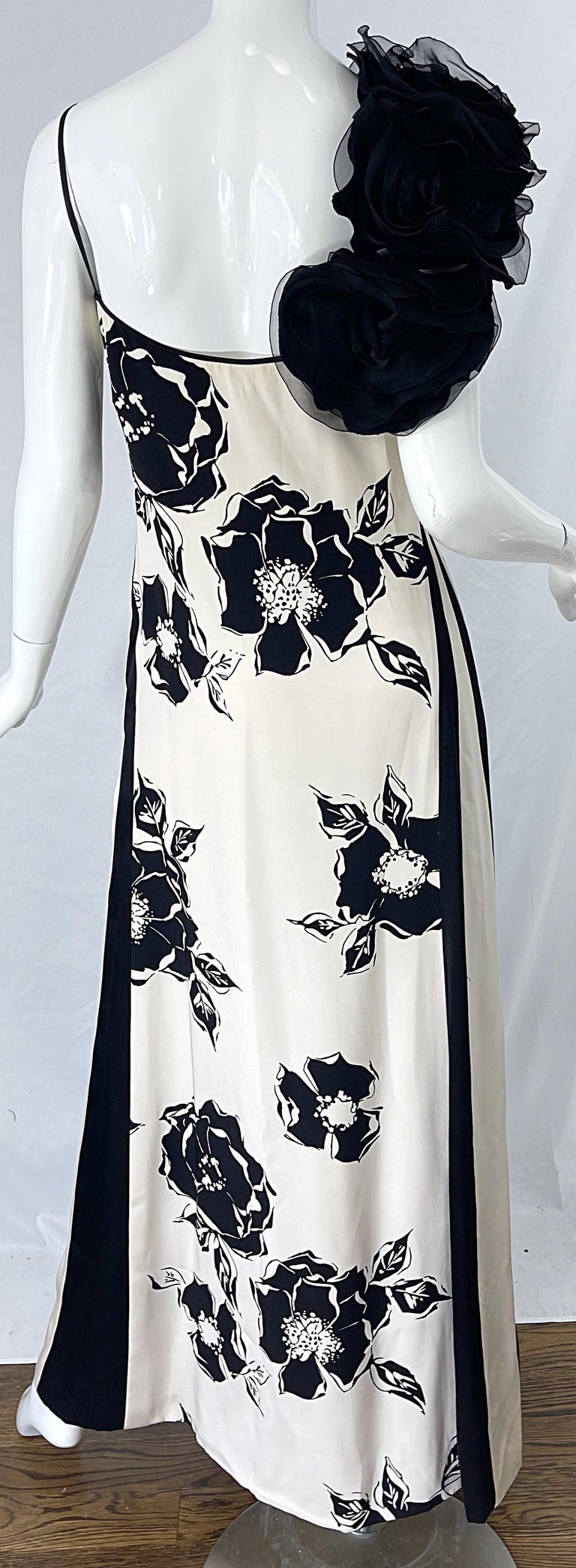 1990s James Galanos Black and White Rosette Sleeve Vintage 90s Silk Gown Dress For Sale 9