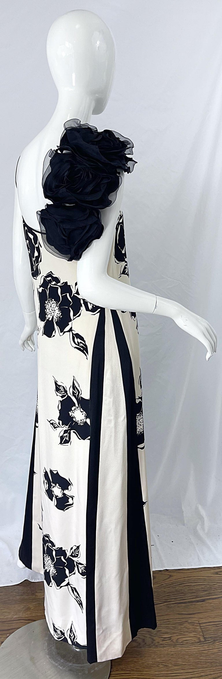 1990s James Galanos Black and White Rosette Sleeve Vintage 90s Silk Gown Dress In Excellent Condition For Sale In Chicago, IL