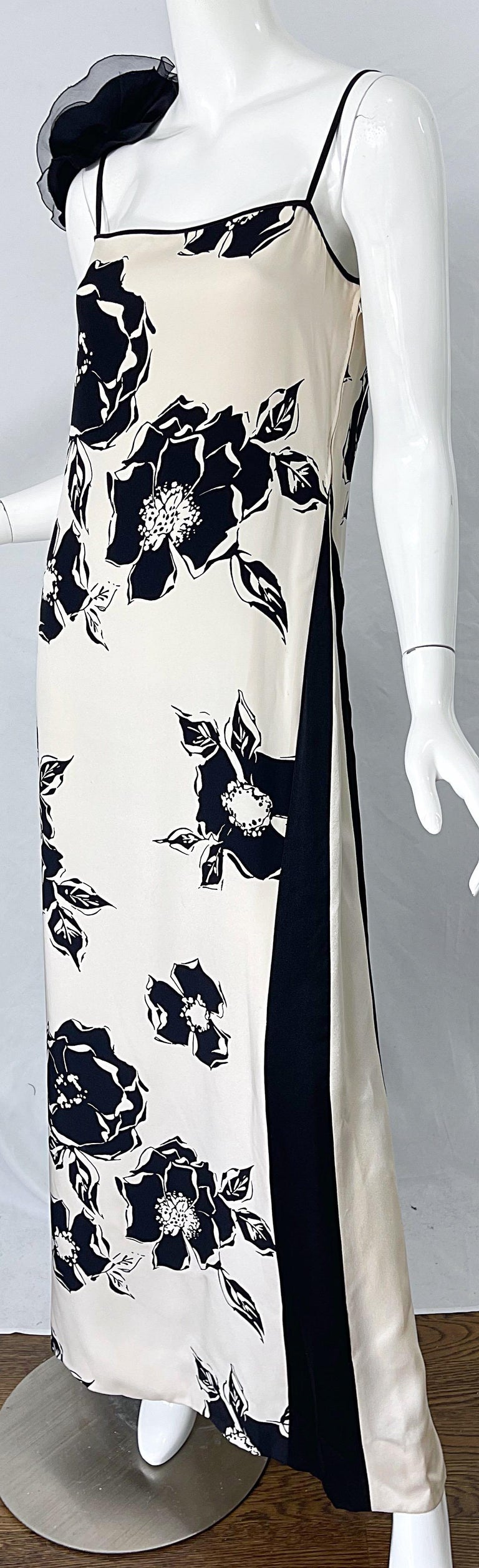1990s James Galanos Black and White Rosette Sleeve Vintage 90s Silk Gown Dress For Sale 2