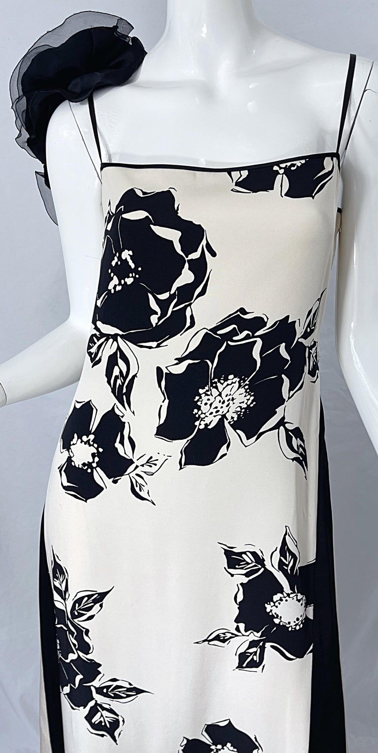 1990s James Galanos Black and White Rosette Sleeve Vintage 90s Silk Gown Dress For Sale 3