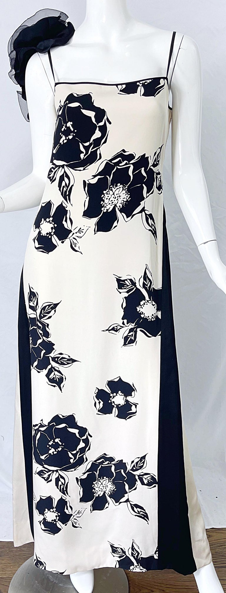 1990s James Galanos Black and White Rosette Sleeve Vintage 90s Silk Gown Dress For Sale 4