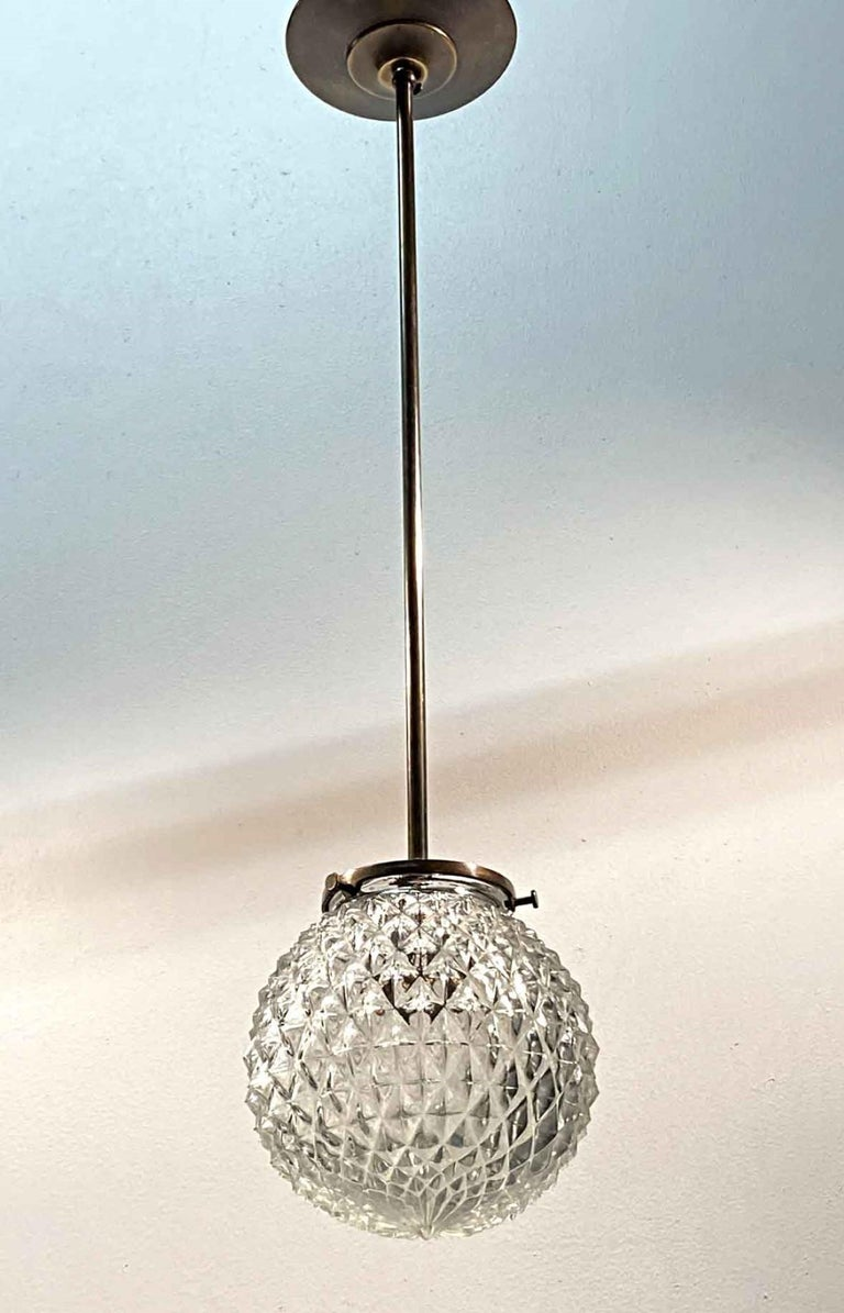 1990s Mid-Century Modern Globe Brass Pendant Light Textured Glass In Good Condition For Sale In New York, NY
