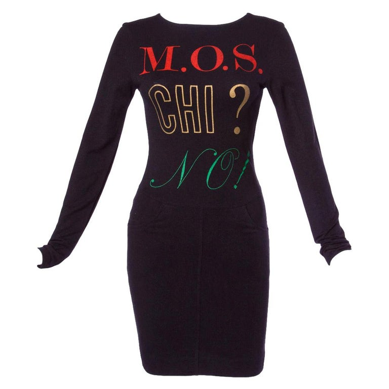 "1990s Moschino Jeans Vintage Graphic Print ""M.O.S. CHI? NO!"" Long Sleeve Dress For Sale"