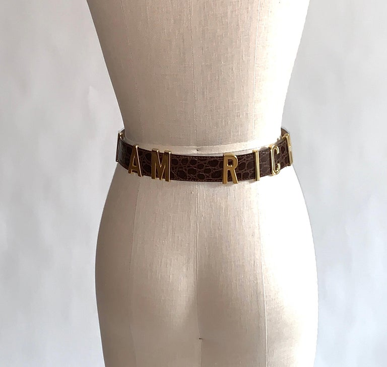 1990s Moschino Redwall Belt I Am Rich in Gold Letters on Brown Embossed Leather In Good Condition For Sale In San Francisco, CA