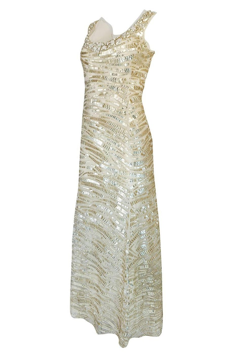 1990s Oscar de la Renta Gold Sequin & Beadwork Dress on Silk Net In Excellent Condition For Sale In Rockwood, ON