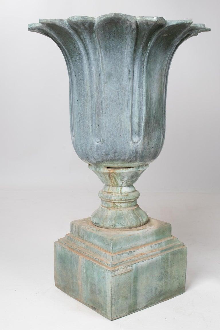 European 1990s Pair of Classical Bronze Garden Urns For Sale