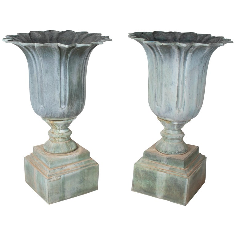 1990s Pair of Classical Bronze Garden Urns For Sale