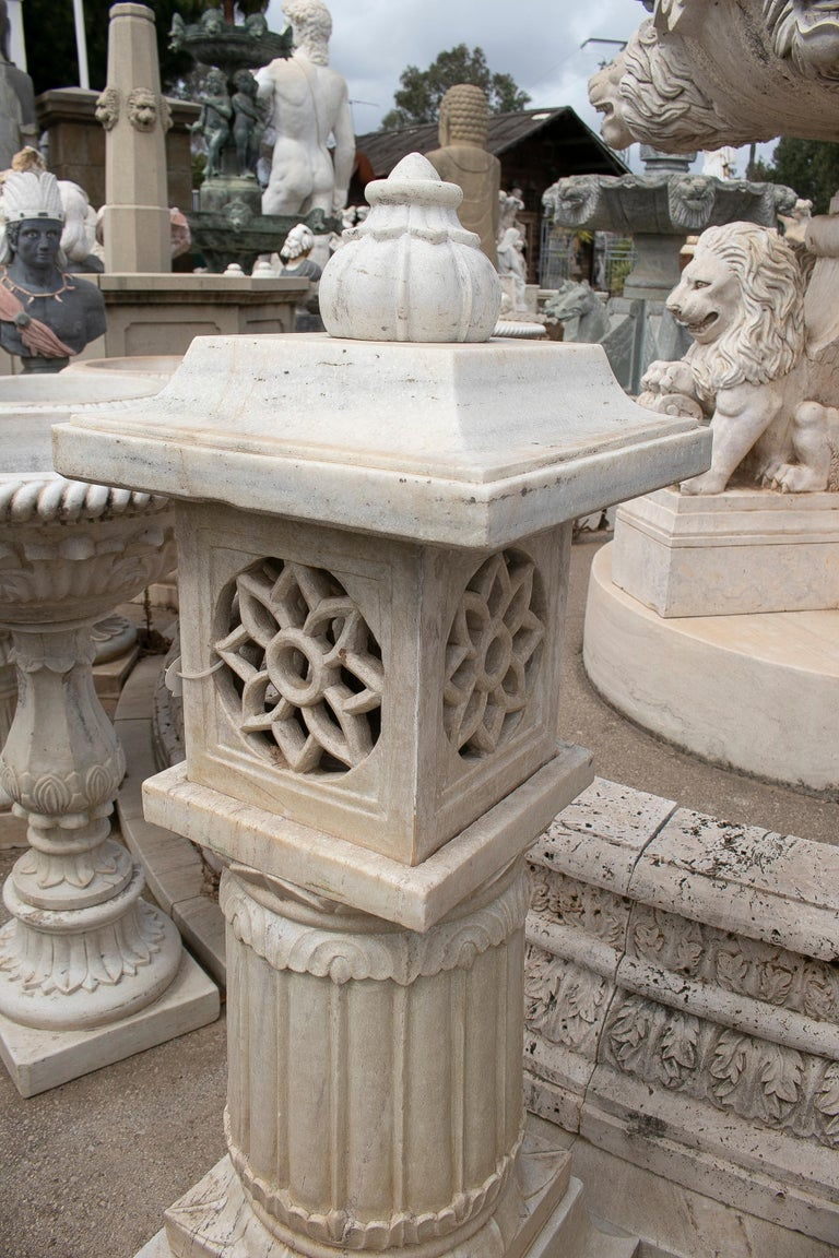 1990s Pair of Spanish Hand Carved Aged White Marble Garden Lamps For Sale 2