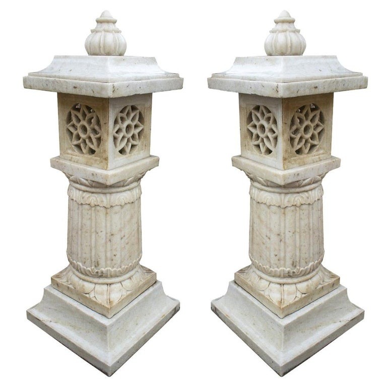 1990s Pair of Spanish Hand Carved Aged White Marble Garden Lamps For Sale
