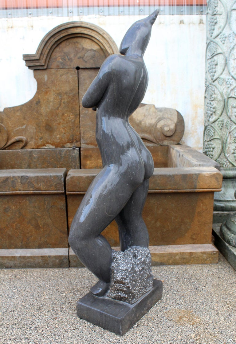1990s Polished Modern Figurative Woman Sculpture in Pure Belgian Black Marble In Good Condition For Sale In Malaga, ES