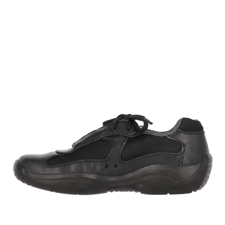 Prada black technical fabric and leather lace-up shoes, square toe, black rubber sole with Prada Linea Rossa logo.  The shoes show light signs of wear on the leather, as shown in the pictures.   Years: 90s Size: 37½ EU Insole: 24 cm