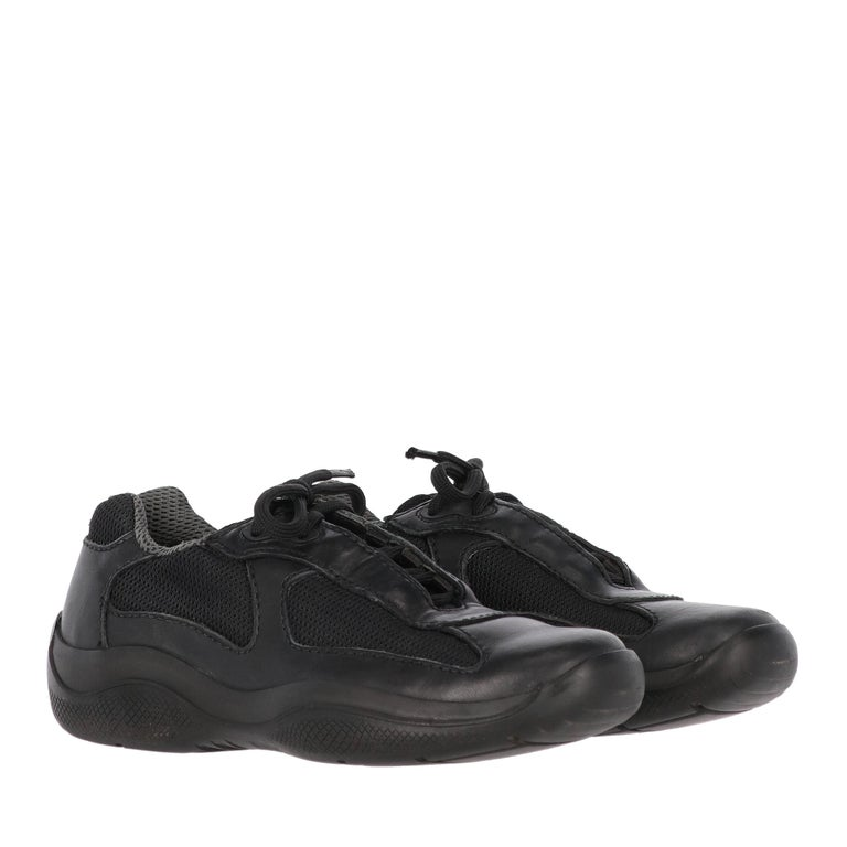Women's 1990s Prada Black Lace-up Shoes For Sale