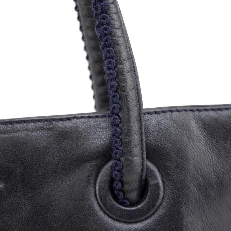 1990s Prada Black Leather Shoulder Bag  For Sale 2
