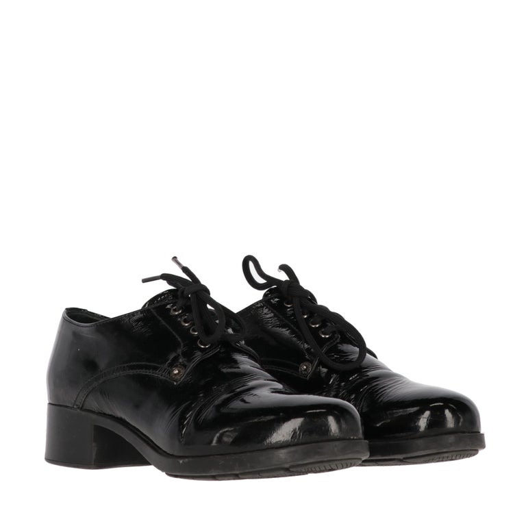 1990s Prada Leather Lace-up Shoes In Good Condition For Sale In Lugo (RA), IT