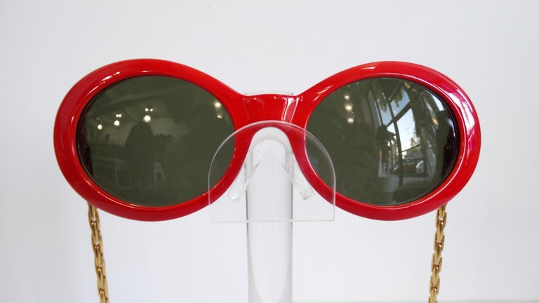 Brown 1990s Rare Versace Lipstick Red Oval Sunglasses with Medusa Head Chain Arms  For Sale