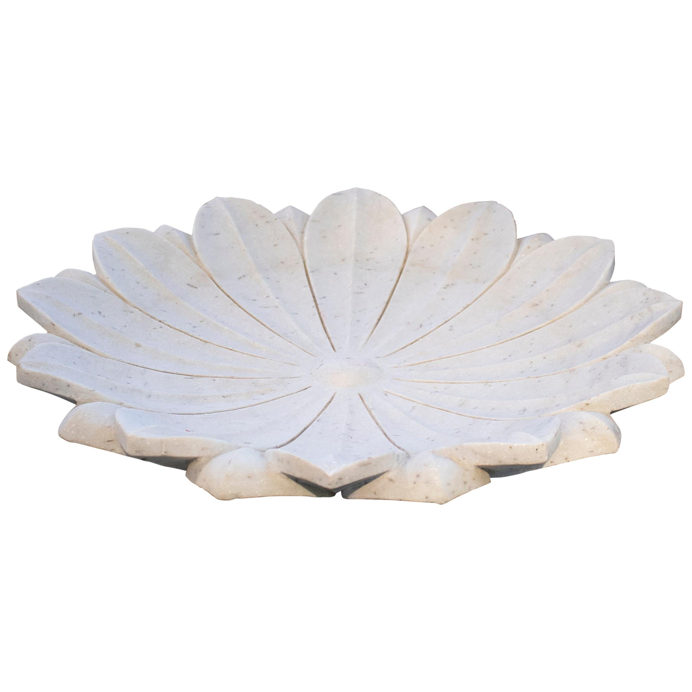 1990s Spanish Hand Carved Lotus Flower White Marble Floor Fountain