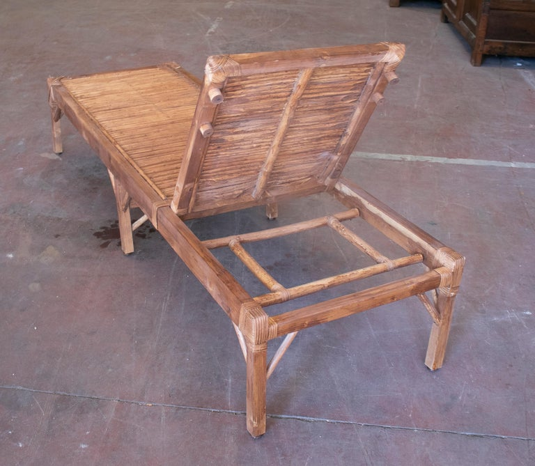 1990s Spanish Pair of Bamboo and Woven Wicker Swimming Pool Deck Chairs For Sale 2