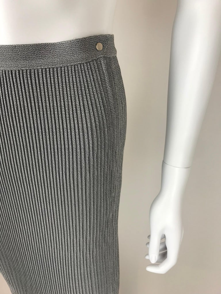 1990's Thierry Mugler Plissée Skirt Small In Excellent Condition For Sale In Paris, FR