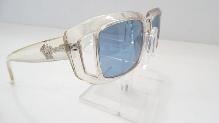 Versace 1990s Clear Rectangular Frame Sunglasses For Sale 2