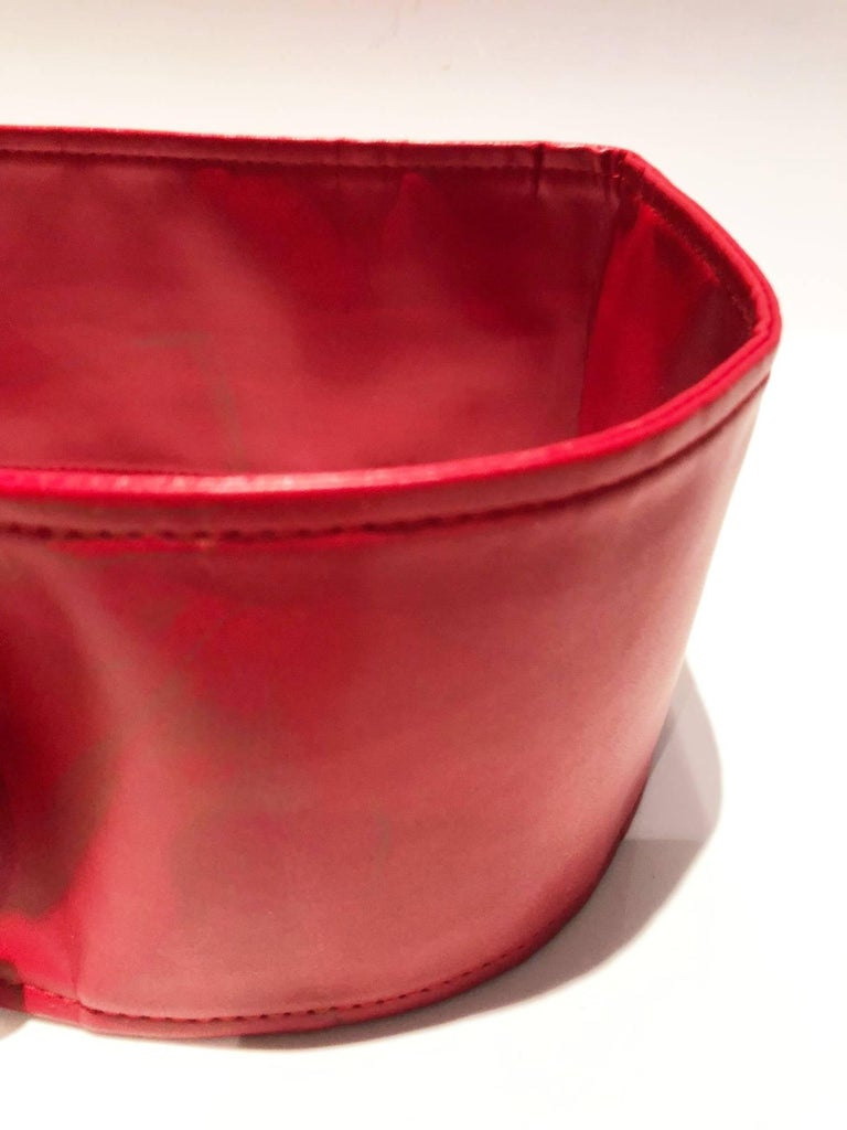 Versace Jeans Couture Red leather high waist belt, half moon shaped gold tone metal buckle  Size: XS, 75cm long  Condition: 1990s, vintage, new with tags
