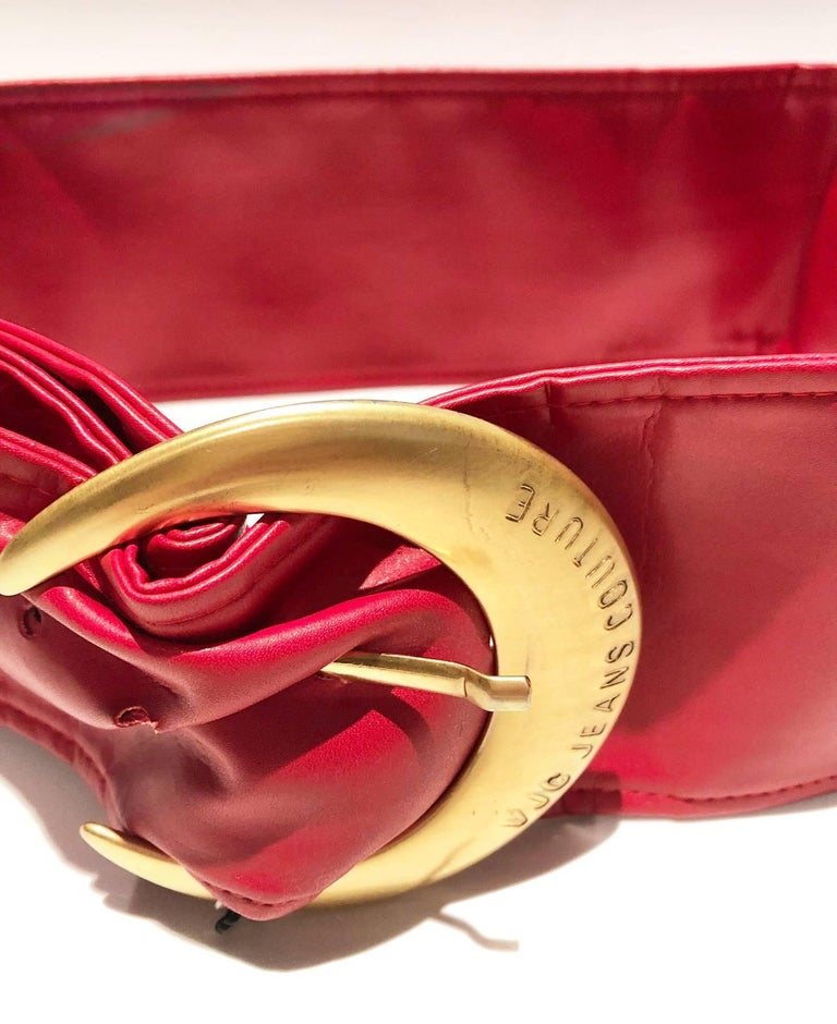 1990s Versace Jeans Couture Red Leather Gold Buckle High Waist Belt For Sale 2