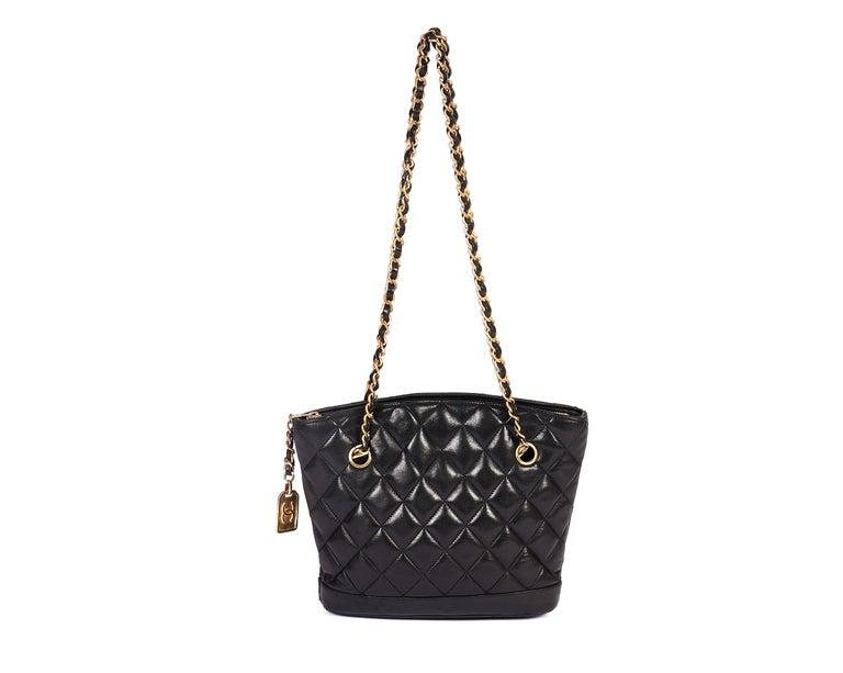 1990's Vintage Chanel Shoulder Bag Black Gold In Good Condition In West Hollywood, CA