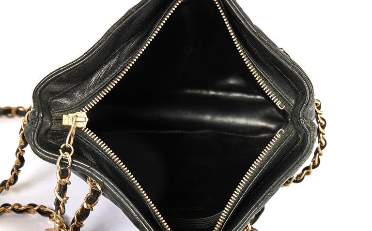 1990's Vintage Chanel Shoulder Bag Black Gold 4