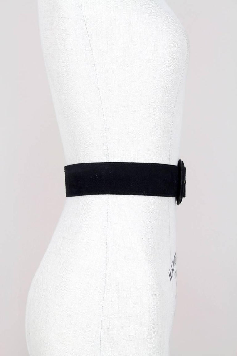 Yves Saint Laurent Black Suede Belt With Gold Tone Accents and YSL Logo, 1990s  In Excellent Condition For Sale In Munich, DE
