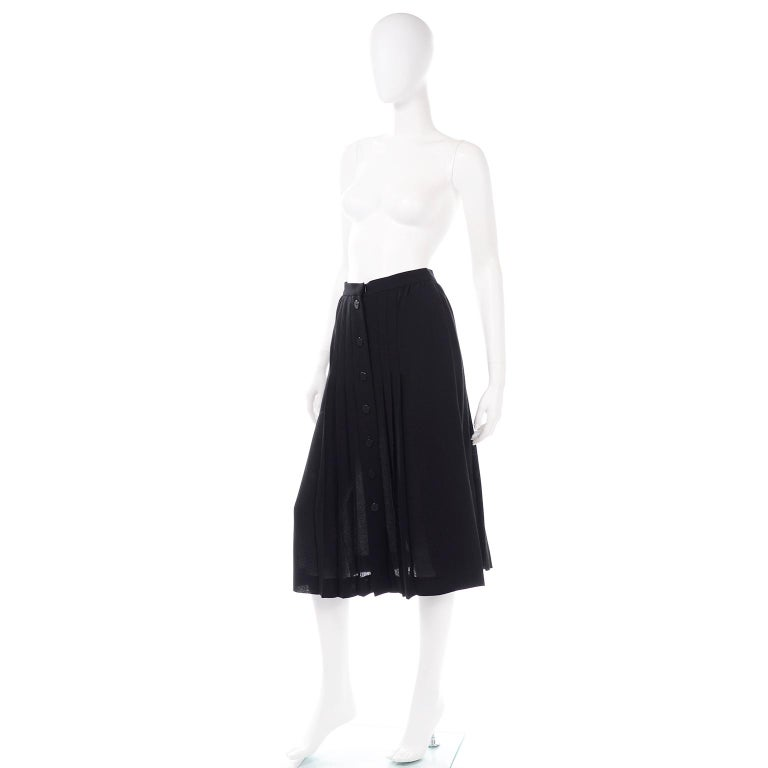 1990s Yves Saint Laurent Black Wool Pleated Midi Skirt Size 8/10 For Sale 1