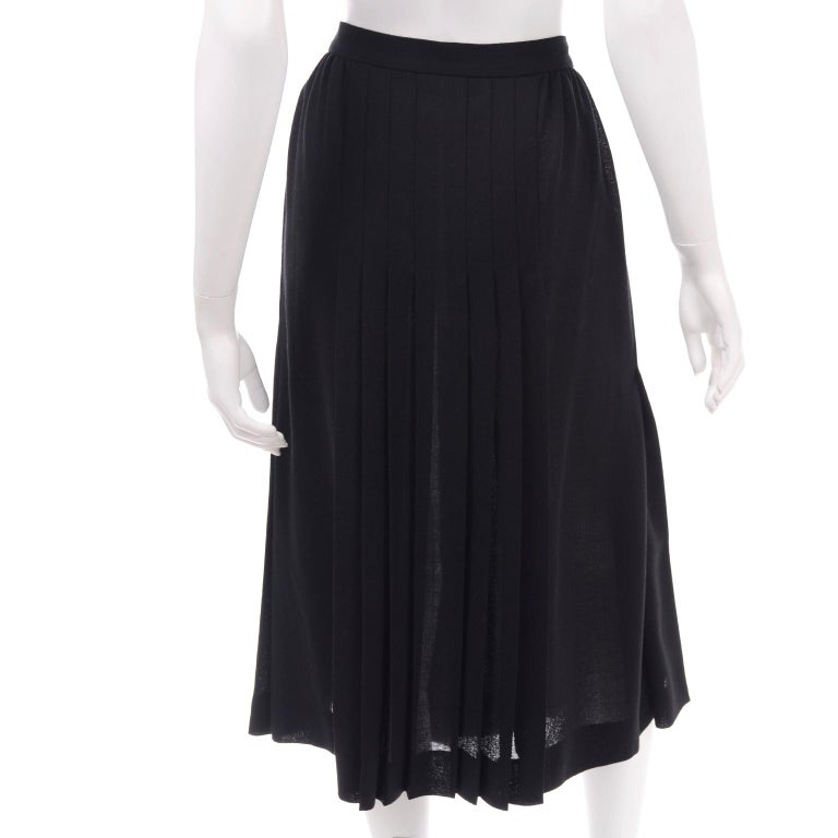 1990s Yves Saint Laurent Black Wool Pleated Midi Skirt Size 8/10 For Sale 2