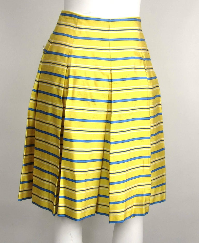 Women's 1990s Yves Saint Laurent Silk Dupioni Pleated Skirt size 34  For Sale