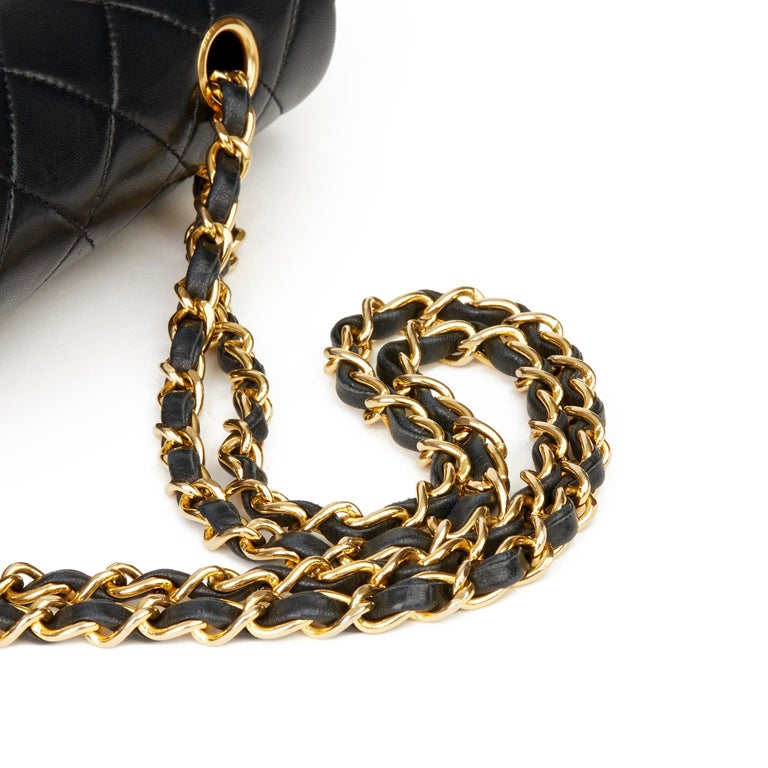 1991 Chanel Black Quilted Lambskin Vintage Medium Classic Double Flap Bag For Sale 4
