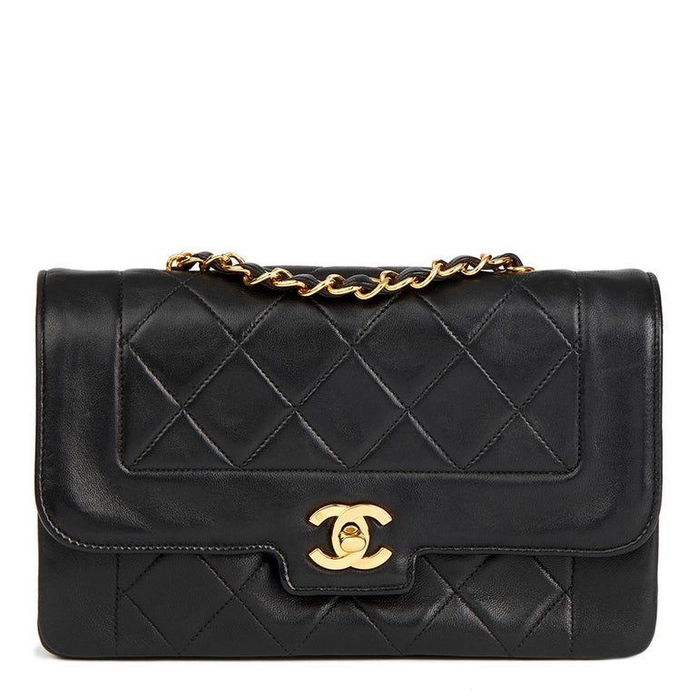 0f09bb965b80 1991 Chanel Black Quilted Lambskin Vintage Small Diana Classic Single Flap  Bag For Sale.
