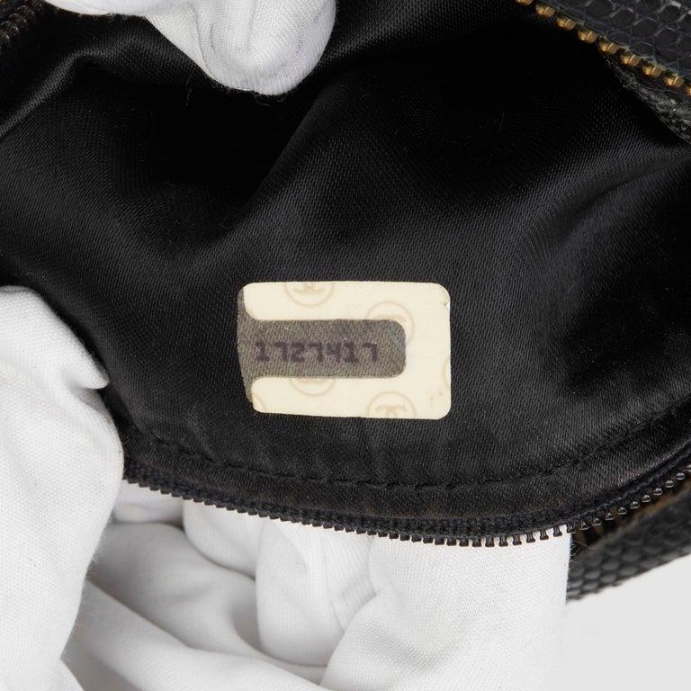 1991 Chanel Black Quilted Lizard Leather Vintage Camera Bag For Sale 6