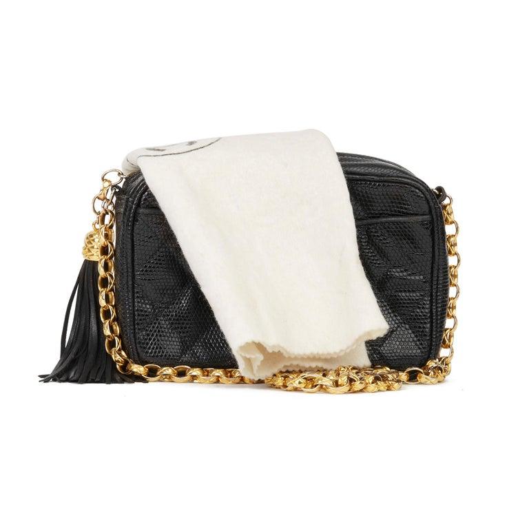 1991 Chanel Black Quilted Lizard Leather Vintage Camera Bag For Sale 8