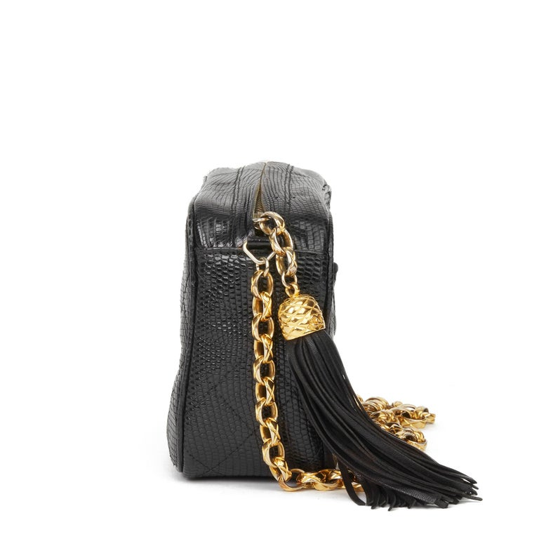 1991 Chanel Black Quilted Lizard Leather Vintage Camera Bag In Excellent Condition For Sale In Bishop's Stortford, Hertfordshire