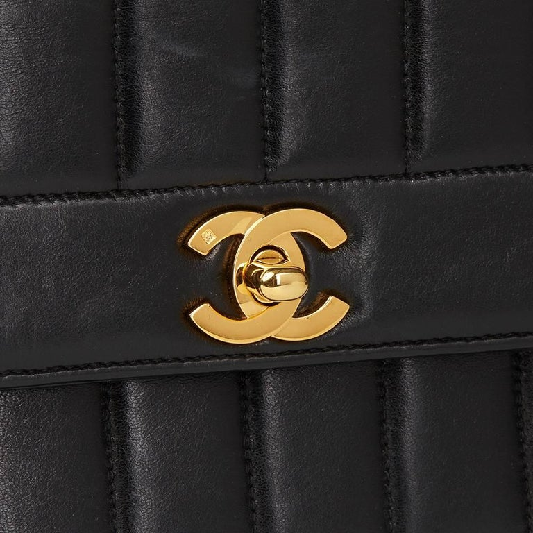 1991 Chanel Black Vertical Quilted Vintage Classic Single Flap Bag  For Sale 1