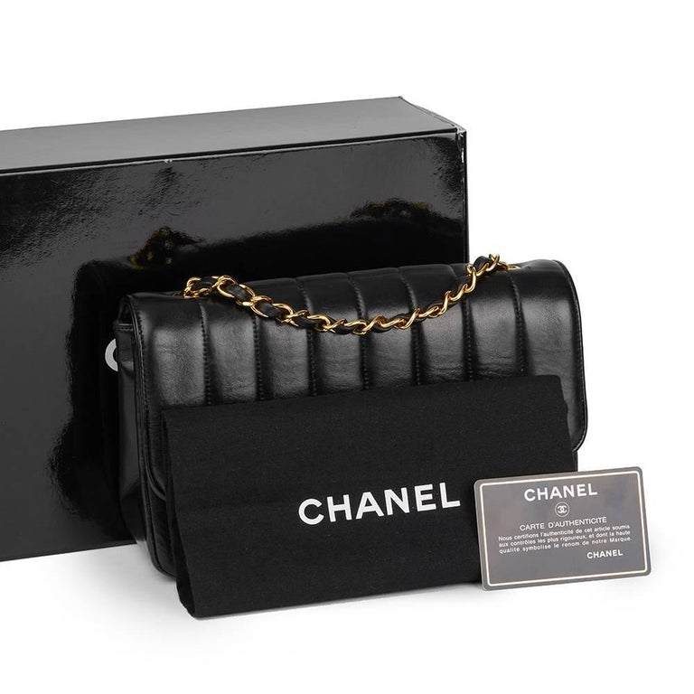 1991 Chanel Black Vertical Quilted Vintage Classic Single Flap Bag  For Sale 5