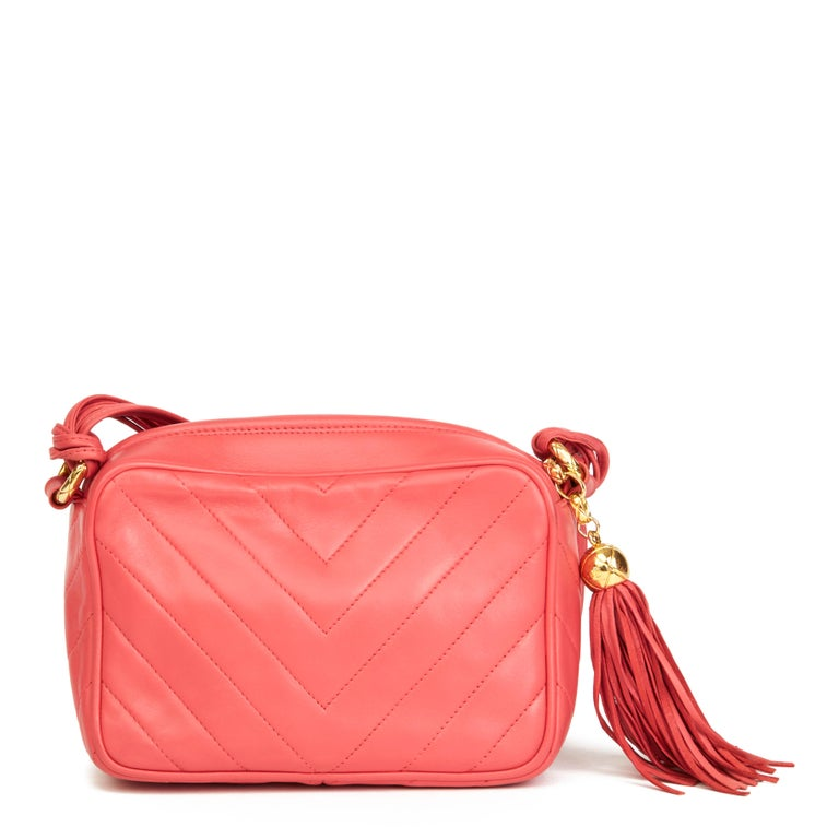 Women's 1991 Chanel Pink Chevron Quilted Lambskin Vintage Timeless Camera Bag For Sale
