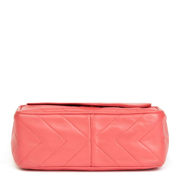1991 Chanel Pink Chevron Quilted Lambskin Vintage Timeless Camera Bag For Sale 1
