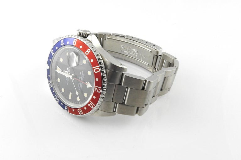 1991 Rolex GMT - Master Pepsi Bezel Men's Watch 16700 Automatic In Good Condition For Sale In New Milford, CT