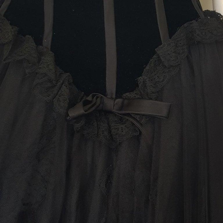 1991 Valentino Boutique Black Lace Dress S For Sale 1