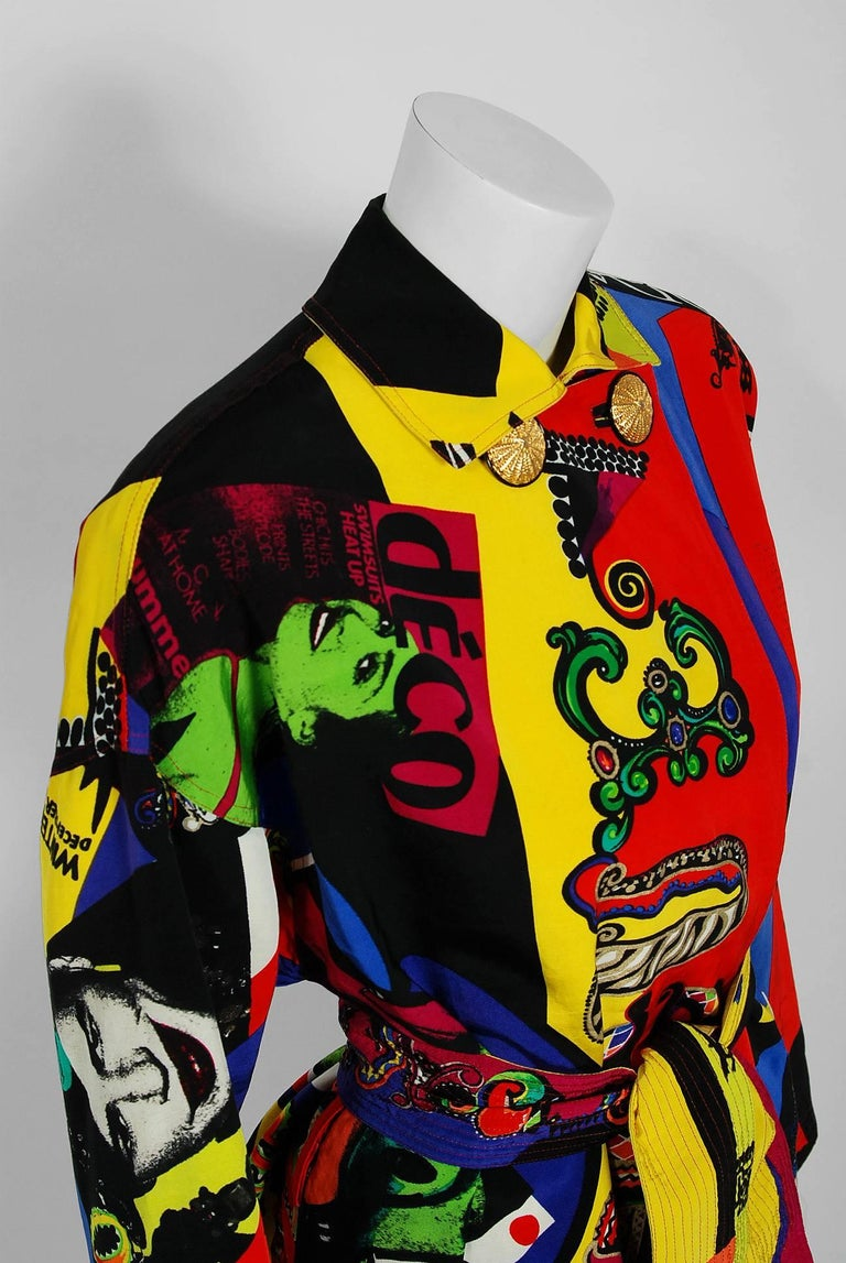 Vintage 1991 Versace Couture Colorful Vogue Print Reversible Belted Trench Coat In Excellent Condition For Sale In Beverly Hills, CA
