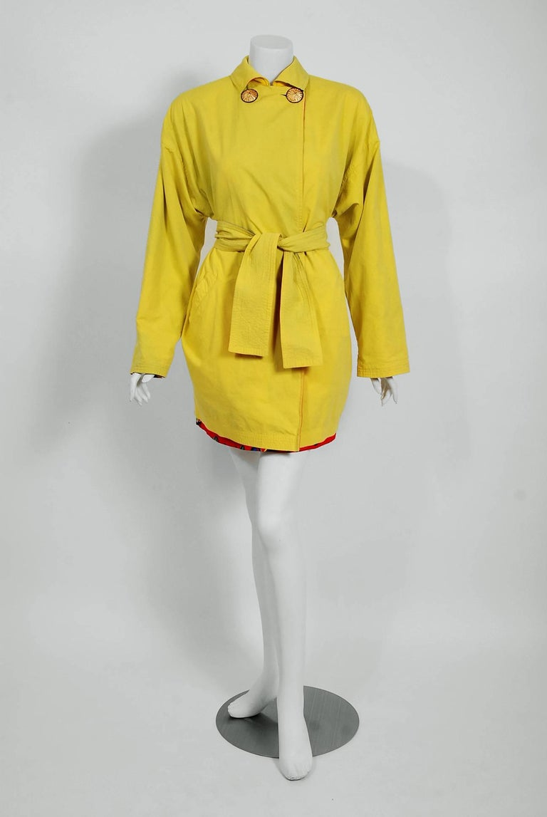 Vintage 1991 Versace Couture Colorful Vogue Print Reversible Belted Trench Coat For Sale 2